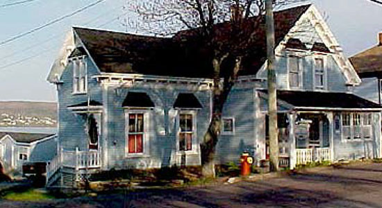 Harbourview Bed & Breakfast and Motel