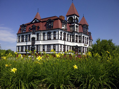 Beautiful Lunenburg Academy, a show stopper on the tours